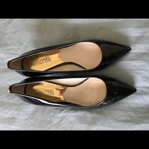 Michael Kora Black pointed heels